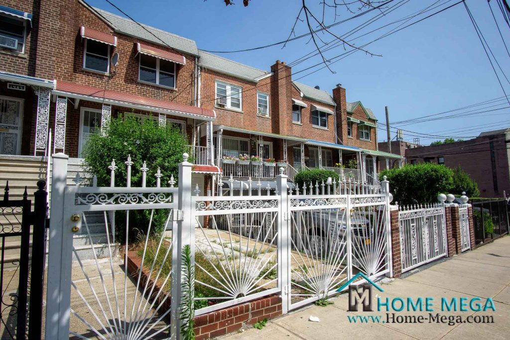 House for sale in Bronx